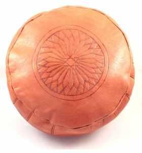 Pouf en cuir gravé orange