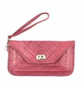 Red Shoulder-Bag by Sanae
