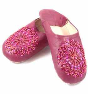 Embroidered AMIRA Slippers made of Raspberry Leather